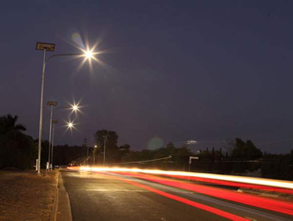 Solar road lighting
