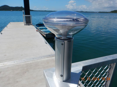Solar jetty lighting