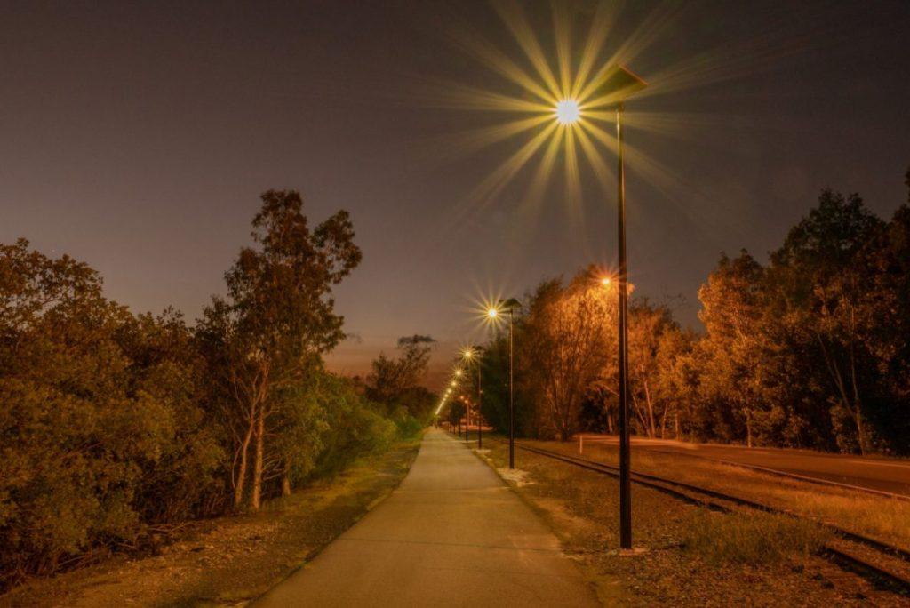 solar pathway/cycle-way lighting