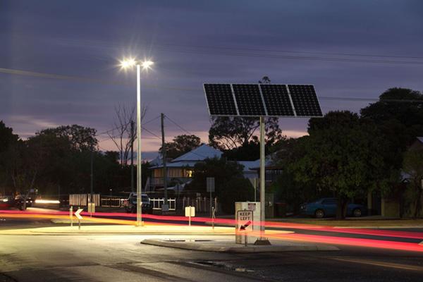 Solar road lighting